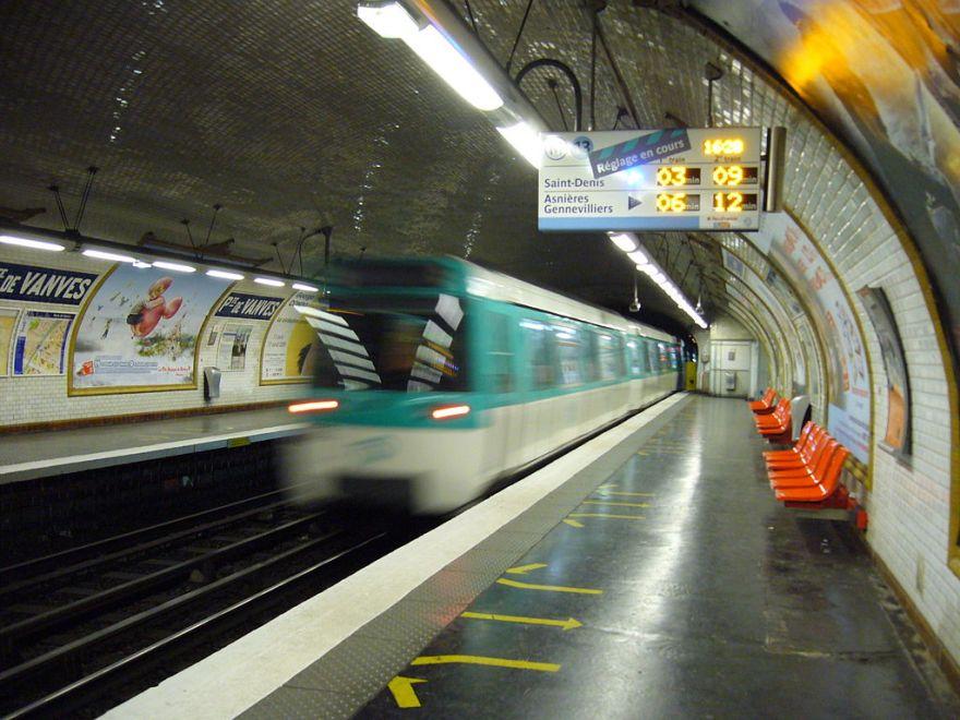 1024px-Metro_Paris_-_Ligne_13_-_Porte_de_Vanves
