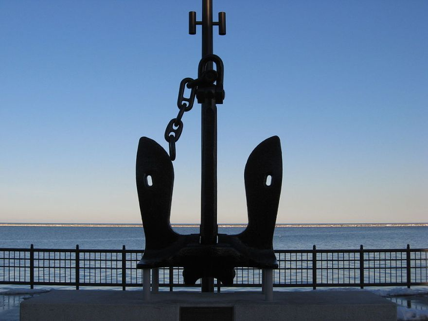 1024px-U.S.S._Chicago_Anchor